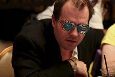 Ducht boyd en la ruina  http://www.hablandodepoker.com.ar/poker-en-general/gano-dos-brazaletes-pero-dejo-el-poker-y-no-puede-conseguir-trabajo/#