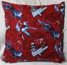 The second in the Spiderman series. 14 inch pillow made of 100% cotton with a zipper on the bottom for easy washing.