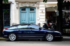 Citroen C6 and it's blue color....l'elegance !!