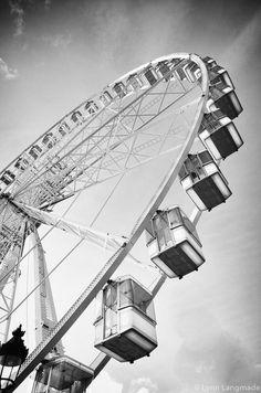 Paris Black and White - Grand Rue Ferris wheel Paris art print gray photo hallway wall de Spring Photos, Winter Photos, Paris Black And White, Ballet Photos, Green Photo, Paris Art, Paris Photos, Ferris Wheel, Travel Photos