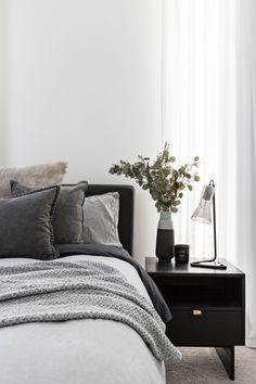 Real homes: Bondi bachelor pad broods with dark hues - The Interiors Addict Room Ideas Bedroom, Dream Bedroom, Home Decor Bedroom, Minimalist Bedroom, Modern Bedroom, Grey Bedrooms, Bohemian Bedrooms, Eclectic Bedrooms, Minimalist Apartment