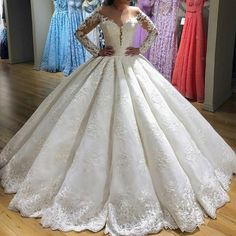 Vintage Long Sleeves Ball Gown Wedding Dresses Lace Embroidery