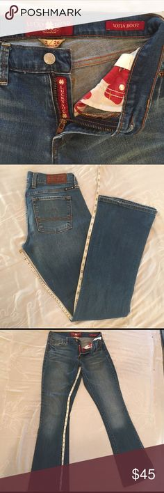Lucky brand bootcut jeans. Size 2 / 26 No flaws Lucky Brand Jeans Boot Cut
