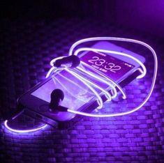 Imagem de purple, aesthetic, and neon Violet Aesthetic, Dark Purple Aesthetic, Lavender Aesthetic, Music Aesthetic, Aesthetic Colors, Aesthetic Pictures, Alien Aesthetic, Aesthetic Light, Plant Aesthetic