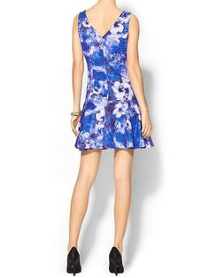 Floral, a drop waist and a gorgeous shade of blue?! Yes, yes and yes.