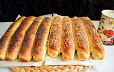 Batoane cu miere presărate cu mac și susan - Rețete Merișor Healthy Eating Recipes, Vegan Recipes, Cooking Recipes, Dessert Drinks, Dessert Recipes, Gastronomy Food, Cooking Bread, Romanian Food, Delicious Dinner Recipes