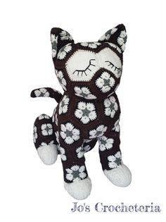 Ravelry: Luna the African Flower Cat pattern by JOs Crocheteria