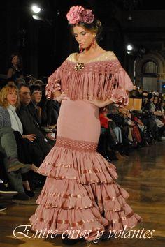 Diseños de Pitusa Gasul y complementos de Trinitrán en We love flamenco 2014