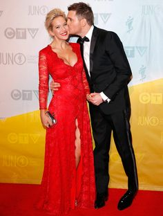 Michael Bublé and Luisana Lopilato. love them