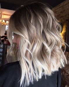 Medium Bob Hairstyles, Unique Hairstyles, Hot Haircuts, Modern Haircuts, Everyday Hairstyles, Blonde Wig, Blonde Balayage, Bronde Haircolor, Best Lace Front Wigs
