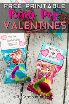 Do you need an easy and fast idea for your kids Valentines this year? Check out this great DIY list of 14 Easy School Valentine Ideas even your kids can make! Lots of candy free valentine ideas too! Quotes Valentines Day, Kinder Valentines, Valentine Gifts For Kids, Homemade Valentines, Valentines Day Party, Valentine Day Crafts, Valentine Ideas, Free Printable Valentines, Valentine Box
