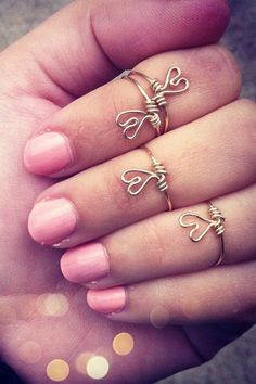 Knuckle heart rings