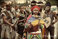 Traditional Zulu wedding [photo by Black Frame Photography]. African Inspired Fashion, African Print Fashion, African Wear, African Dress, African Traditional Wedding, Traditional Weddings, Zulu Wedding, Wedding Ceremony, African Wedding Theme