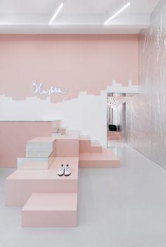 Clothes shop interior store displays retail design ideas for 2019 Design Shop, Display Design, Wall Design, Design Design, Deco Rose, Boutique Interior Design, Retail Store Design, Retail Stores, Retail Interior