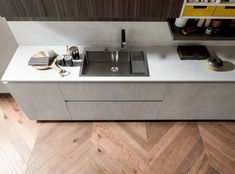 The Evolution linear waste bin is the prefect solution for trouble-free recycling. Click the Pin and discover more! Italian Interior Design, Kitchen Dinning, Modern Kitchen Design, Double Vanity, Tiny House, Recycling, House Design, Evolution, Kitchen Ideas