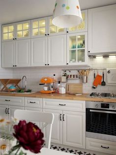New kitchen cabinets ikea white cupboards ideas Kitchen Ikea, Oak Kitchen Cabinets, Kitchen Interior, Kitchen Flooring, Kitchen Decor, Kitchen White, White Cabinets, Kitchen Backsplash, Backsplash Ideas