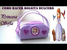 DIYcomo hacer  Bolsa dulcera de foamy draculaura de monster high - YouTube Crafty Projects, Quilting Projects, Projects To Try, Princesa Sophia, Frozen Party, Diy Doll, Bag Making, Lunch Box, Arts And Crafts