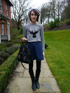 Latest look du jour featuring a little bit o' Jaeger, and Mollica-Mitrano Dutti Sweater Weather, Personal Style, Autumn Fashion, Graphic Sweatshirt, Street Style, Sweatshirts, My Style, Street Fashion, Sweaters