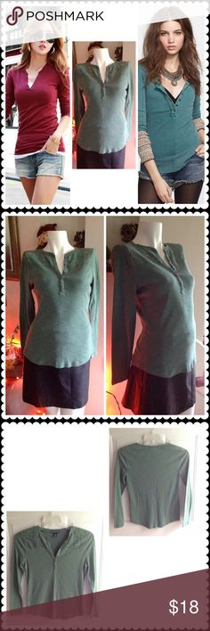 🍀LAST DAY OF SALE 🍀 Green with envy ☘ Lovely long sleeve green top with V neck & buttons. Lace detailing around front. Size chart and measurements in last photo. 100% cotton material. Gently worn. 30% off with the purchase of 3 or more items using the bundle feature. American Living Tops Tees - Long Sleeve