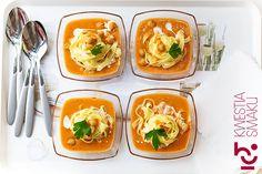 Zupa z grochu, ciecierzycy podawana z makaronem. Najlepszy przepis. Danie z ciecierzycy.