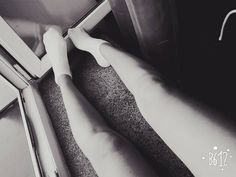 #stopy #skarpetki #nogi #bialeskarpetki #black #blackandwhite #polishgirl #ja #hehe #internat #parapet #nudy #nuda #instame #instalike #instagood