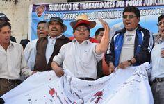 AREQUIPA. Trabajadores del poder judicial amenazan con reiniciar huelga en agosto http://hbanoticias.com/9935