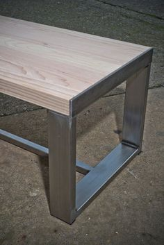 27 Best Wooden Pallet Furniture Projects Ideas And Tutorials - josh-hutcherson Welded Furniture, Wooden Pallet Furniture, Vintage Industrial Furniture, Steel Furniture, Rustic Furniture, Table Furniture, Furniture Nyc, Furniture Online, Upcycled Furniture