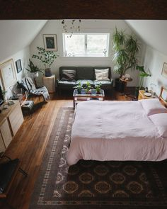 """homesteadseattle:  """"his rug was in the shop for over a month, so glad it didn't sell while it was there!  """""""