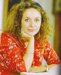 Julia Sawalha, loved her as Saffron on Absolutely Fabulous Welsh, Julia Sawalha, Absolutely Fabulous, Love Her, Beautiful Women, Leather Jacket, Actresses, Celebrities, Hot