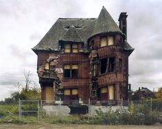 This villa was one of Albert Kahn's first projects. Built in 1893 for the banker William Livingstone, it had to be torn down in 2007.