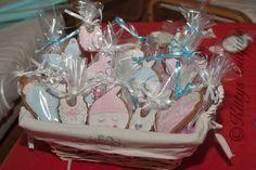 Cestita de galletas de bebé para María #BabyCookies #GalletasdeBebe #BabyshowerCookies #galletas #fondant #cookies #galletasDecoradas #decoratedCookies #sugarcraft #foodPhotography