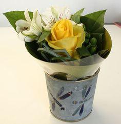 Un piccolo bouquet da regalare o da usare come addobbo per la tavola, per una comunione, un battesimo o un matrimonio