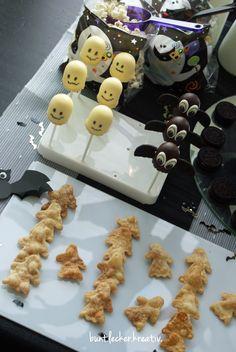 Auf diesem Halloween Sweet Table ist für jedes süße Spukgespenst der perfekte Partysnack dabei!