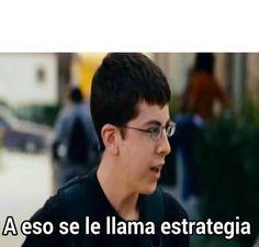 ▷ A eso se le llama estrategia ... New Memes, Love Memes, Dankest Memes, Meme Faces, Funny Faces, Meme Stickers, Spanish Memes, Funny Video Memes, Meme Template