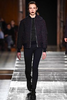 Julien David Fall 2015 Ready-to-Wear Collection Photos - Vogue Runway Fashion, Fashion Show, Fashion Design, Black Leather Jeans, Julien David, Vogue, Street Style, Biker Style, Wearing Black