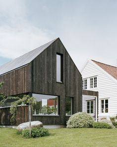 """archatlas: """" Ims Trodahl Arkitekter """" Modern House Ideas For You After leaving the parental domestic Modern Wooden House, Modern Barn House, Japanese Modern House, Norway House, Architecture Design, House Cladding, My Ideal Home, Maine House, House In The Woods"""