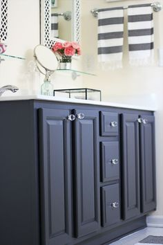 repainted bathroom vanity | from oak to charcoal gray | benjamin moore satin gray 2121-10 | two delighted