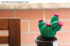 Cactus amigurumi free pattern in Italian and English