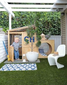 How cute is this outdoor space for little ones?