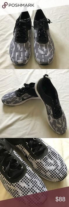 NIKE 819519 Mens Lunarestoa 2 GPX Shoes Sz 12 NWOB Style: Men's Nike Lunarestoa 2 GPX Casual Shoe Black / White Size: US12  UK11 EUR46 cm 30 Show off your sporty and casual sides when you're wearing the Men's Nike Lunarestoa 2 Casual Shoes. You'll love this sneaker since it's design finds a place between performance, lifestyle, and innovation that will blow your mind. Retails for $105.00🚫no trade🚫 Nike Shoes Sneakers