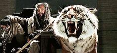 Ezekiel and Shiva in the Season 7 trailer [gif]