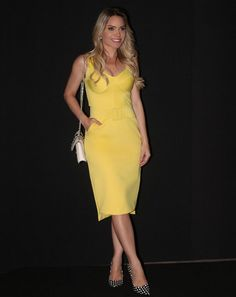 Ge_Americano arrasando com esse Dress Midi ANNE FERNANDES! #vestido #midi # dress #fashionblogger #lookdodia #mtp #yellow #luxo #linda #inlove