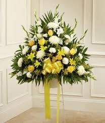 Imagen relacionada #adornosflorales