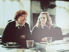 Ron and Hermione on Gryffindor Table