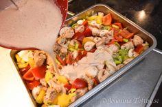 Het kycklinggratäng med krämig chilisås - Johanna Toftby Cooking Tips, Cooking Recipes, Good Food, Yummy Food, Tasty, Indian Food Recipes, Ethnic Recipes, Recipe For Mom, Today's Recipe