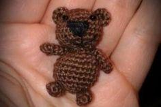 Kostenlose Häkelanleitung - Mini Teddy FreeBook