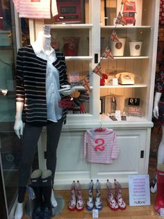 11 Secrets to Great Window Displays: Make Your Shop Window Increase Retail Sales
