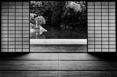 Photographer captures the beauty of traditional Japanese gardens at the Katsura Imperial Villa 【Photos】 Japanese Architecture, Architecture Old, Architecture Details, In Praise Of Shadows, Traditional Japanese House, Japanese Photography, White Photography, Japanese Interior, Portfolio