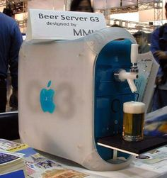 Some crazy nutjob (read: genius) Mac fan has developed the computer of my dreams, the Apple Beer Server. Now from the picture you can tell that it serves beer, which is all a computer really needs to do. Computer Humor, Computer Literacy, Mac Pro, Ingenieur Humor, Alter Computer, Computer Diy, Engineering Humor, Mechanical Engineering, Civil Engineering