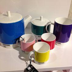 Duka med färg! Pantone är en stor favorit. Pris från 149kr. #pantone #pantoneuniverse #butikenroom #roombutiken #favoritpåroom
